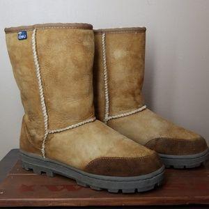 EMU Austrailia   Sheepskin Wool lined boots size 9